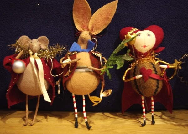 Dormouse, March Hare, Queen